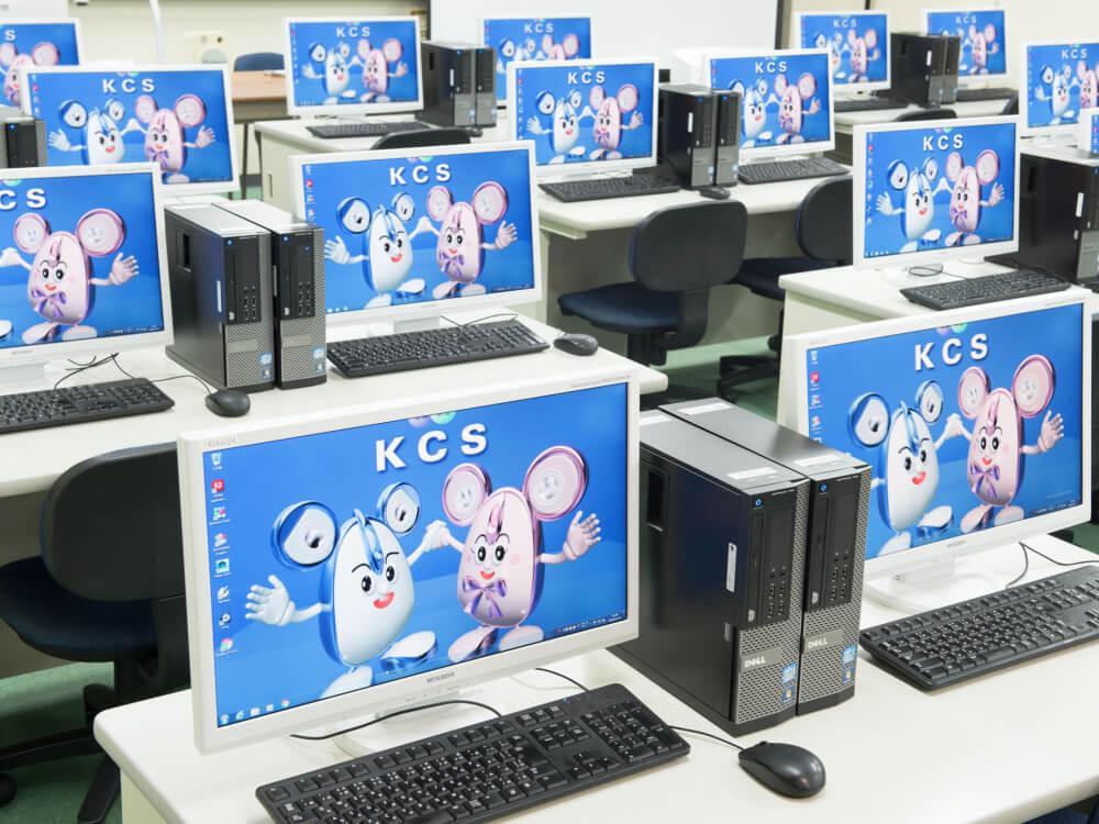実習室の設備もしっかり確認しよう。
